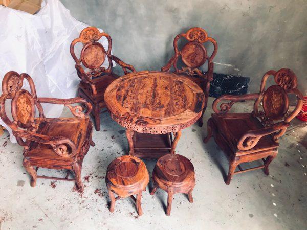 bàn ghế kiểu GUỘT Nho gỗ Cẩm Lai 7 Món