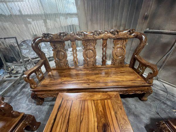 ghế dài của Bộ Bàn Ghế Cẩm Lai BG 0987