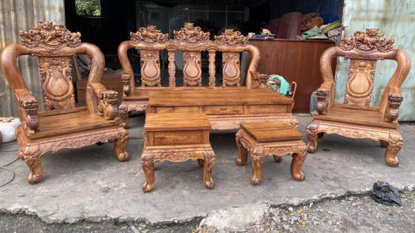 toàn cảnh bộ bàn ghế gỗ cẩm lai sau khi hoàn thiện